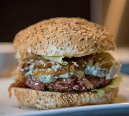 Burgers Au Bleu Et Oignons Caramélisés