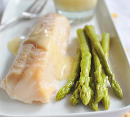 Filets de cabillaud asperges vertes et sauce hollandaise envie de bien manger - Recette asperge verte poelee ...