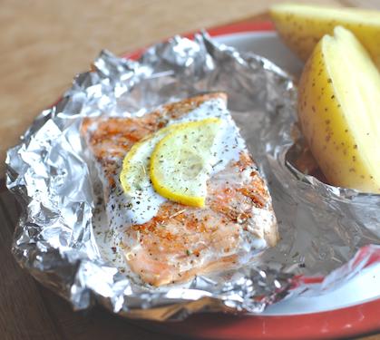 Papillotes de saumon au barbecue recette papillotes de for Saumon en papillote au barbecue