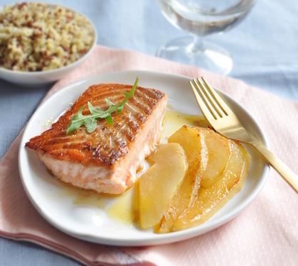saumon et poires po l es au gingembre envie de bien manger. Black Bedroom Furniture Sets. Home Design Ideas