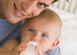 Une alimentation lactée : bébés de 0 à 6 mois