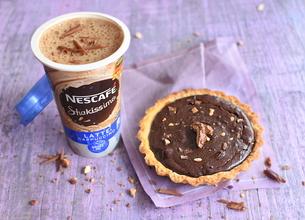 Nescafé Shakissimo Cappucino et mini tartes chocolat pralines