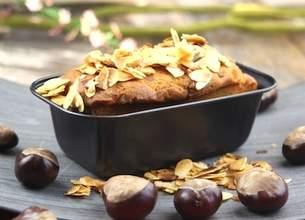 Gâteau aux pommes et aux amandes grillées
