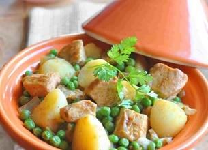 Tajine de poulet aux pommes de terre et petits pois