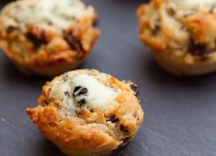 Muffins au Roquefort Société et raisins