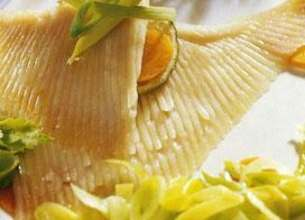 Ailes de raie aux poireaux