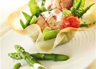 Aumônière de saumon et petits légumes