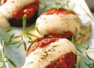Médaillons d'aubergines à la tomate et mozzarella