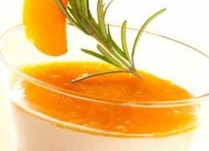 Panna Cotta au Romarin et Marmelade d'abricots au miel
