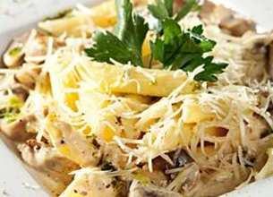 Penne aux 3 fromages et champignons