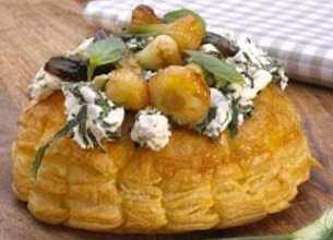 Tartes gonflées au brocciu et oignons confits
