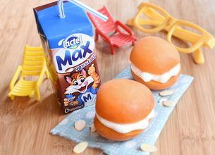 Macarons d'abricots et Lactel Max au chocolat