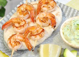 Brochettes de crevettes et crème de courgettes
