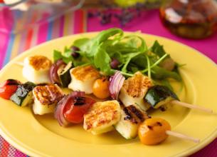 Brochettes de Grillis et légumes grillés