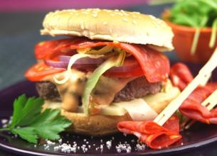Cheeseburger bœuf, fromage basque et chorizo