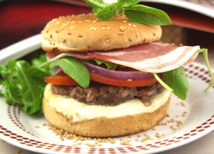 Cheeseburger veau, pancetta et mozzarella