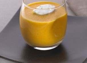 Gaspacho de carottes à l'orange et crème de coriandre