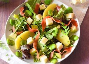 Salade composée à la Tomme de brebis Lou Pérac