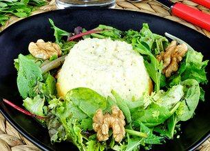 Flan au chèvre, salade d'herbes