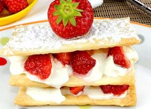 Mille-feuille fraises et crème fouettée