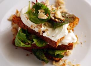 Petits sandwichs au pain d'épices, Société crème et noix