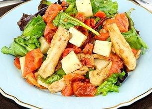 Salade de poulet, Emmental et ses légumes du soleil