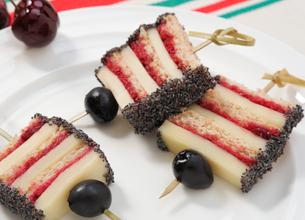 Sandwich confiture de cerises noires et Ossau-Iraty Istara