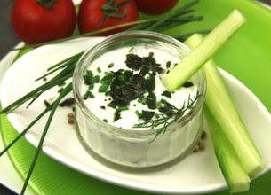 Sauce au yaourt et aux fines herbes