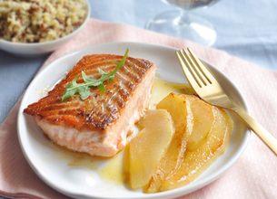 Saumon et poires poêlées au gingembre