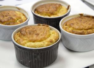 Soufflés au foie gras