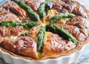 Tarte aux asperges, speck et Gorgonzola