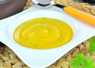 Velouté de carotte à la coriandre